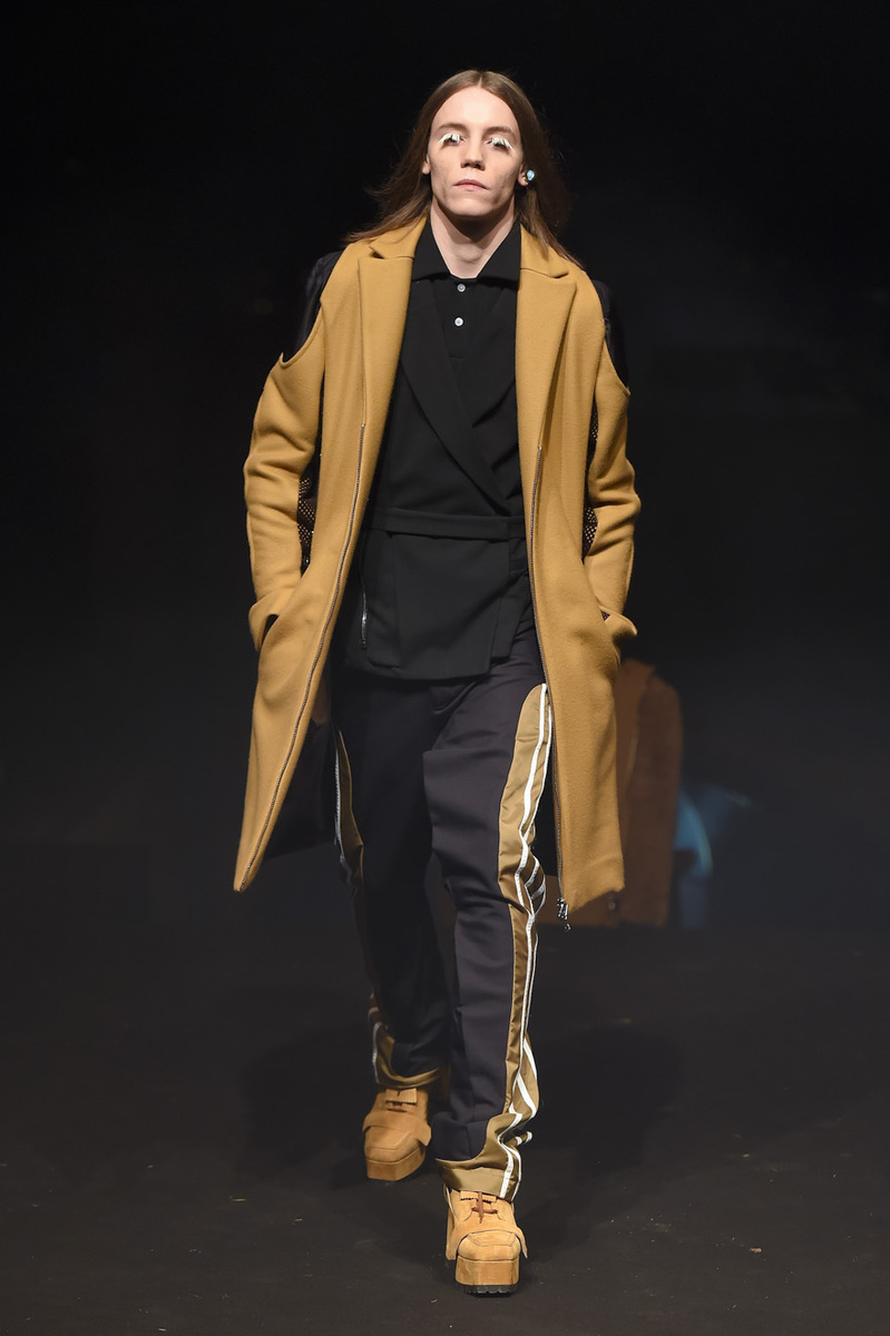 Hood-by-Air-Mens-FW15-Pitti-0004-1421275352-bigthumb