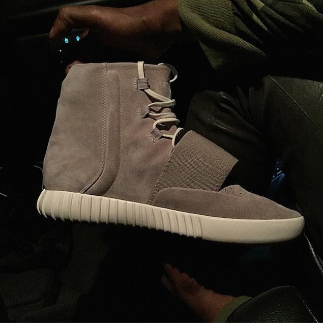 Kanye-Adidas-Yeezy-boost-sneakers-4