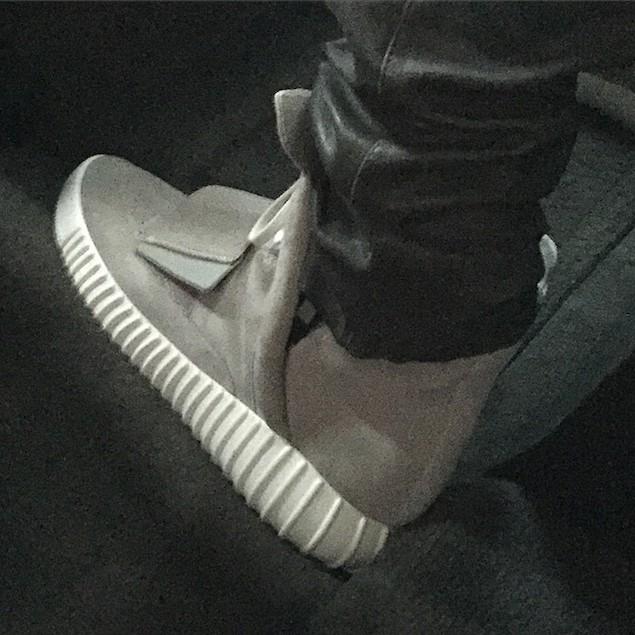 Kanye-Adidas-Yeezy-boost-sneakers