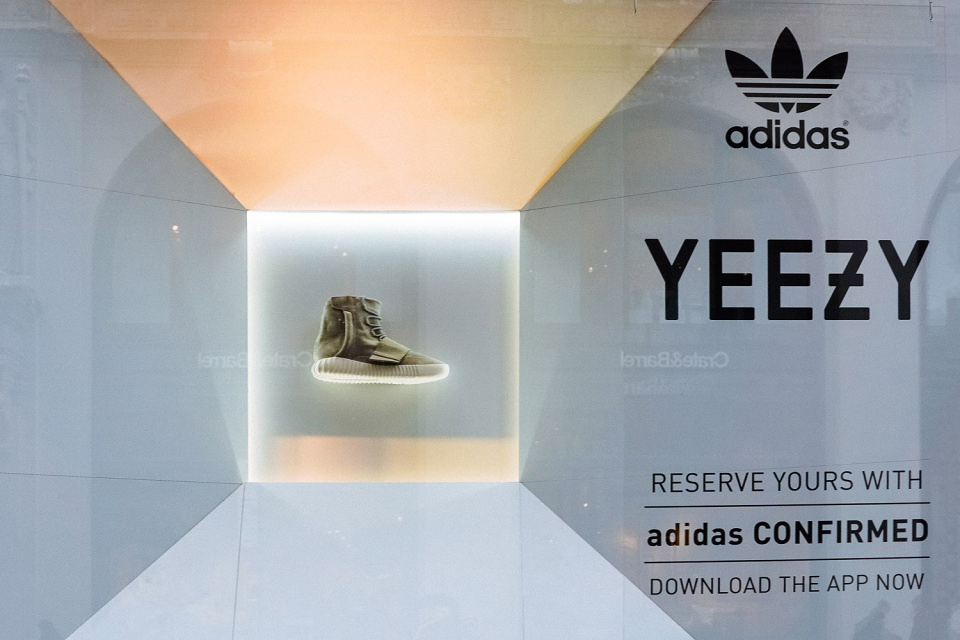 kanye-west-adidas-yeezy-750-boost-on-display-new-york-01-960x640