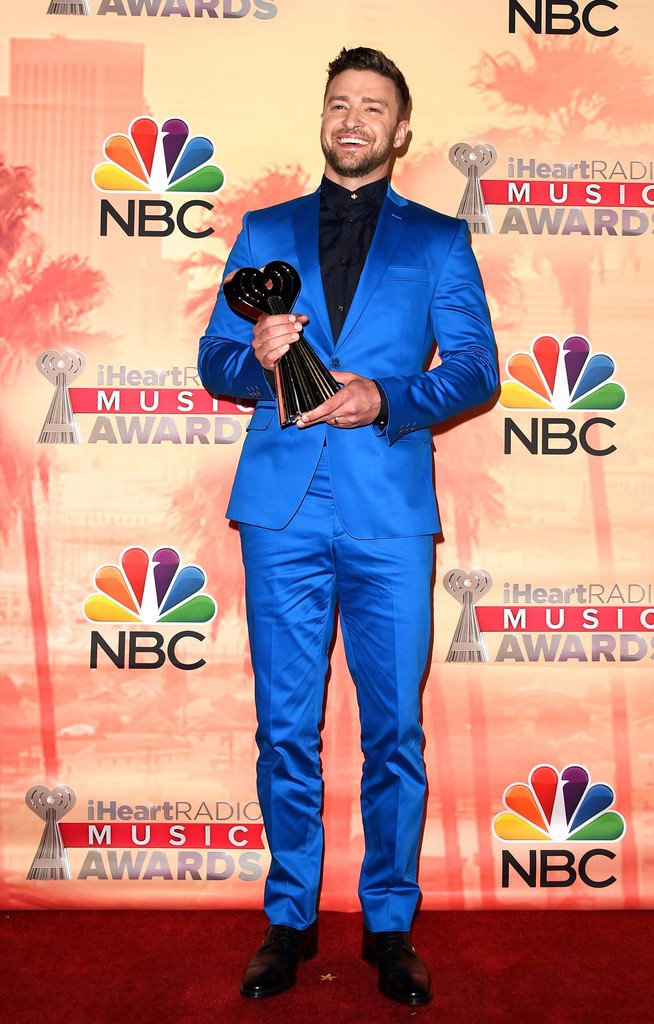 Justin-Timberlake-Versace-Suit-2015-Picture
