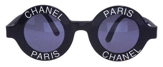 Vintage-Chanel-logo-frame-sunglasses