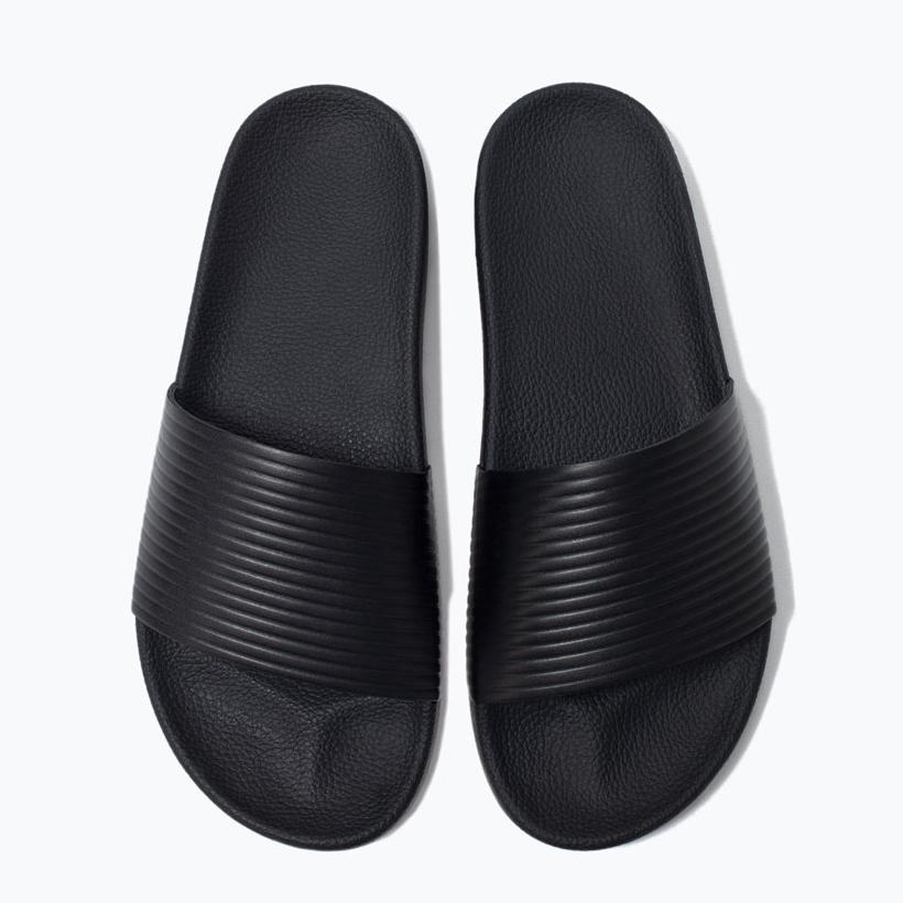 Zara Man Pool Slides