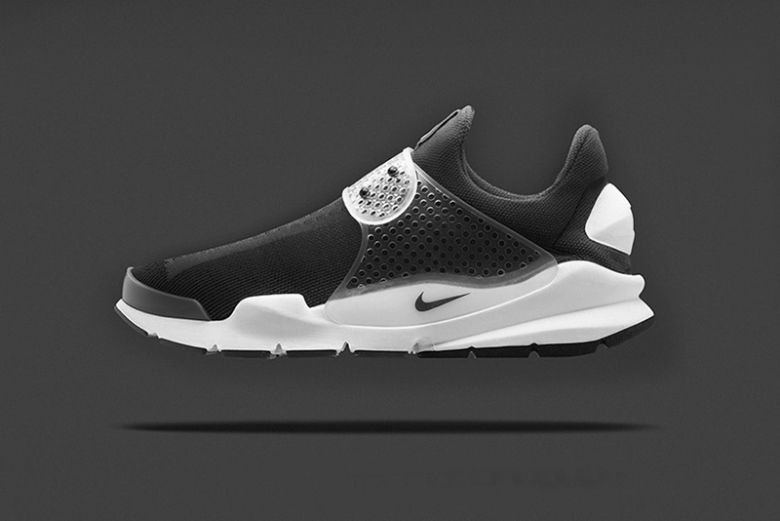 a-first-look-at-the-fragment-design-x-nike-sock-dart-black-1
