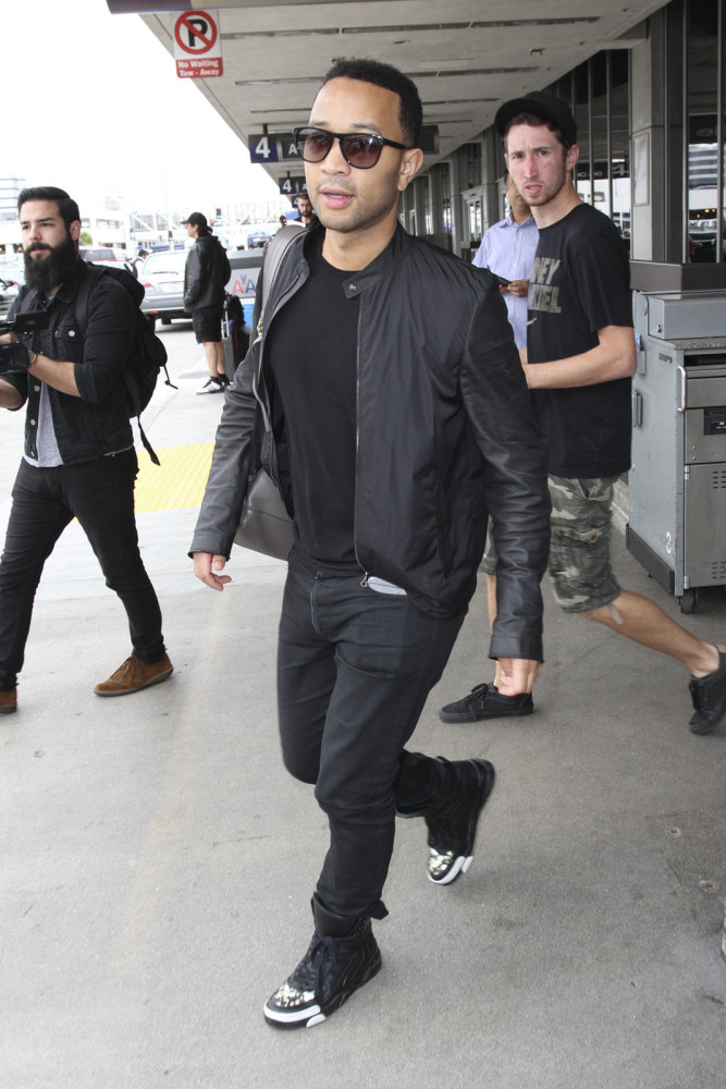 John-Legend-was-papped-at-LAX-airport-in-all-black-GIVENCHY-TYSON-FLORAL-PRINT-LEATHER-HIGH-TOP-SNEAKERS.-667x1000