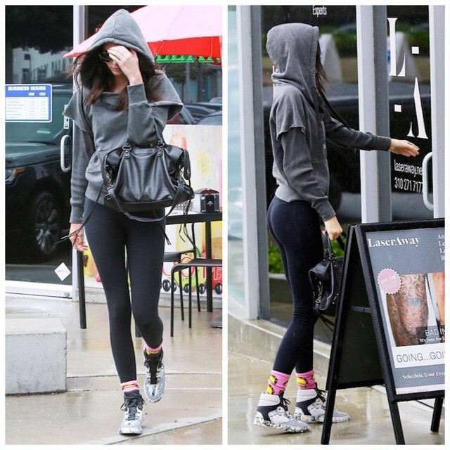 Kendell-Jenner-wearing-Balenciaga-Multi-Material-Marble-Sneakers-Shoes-11-640x640