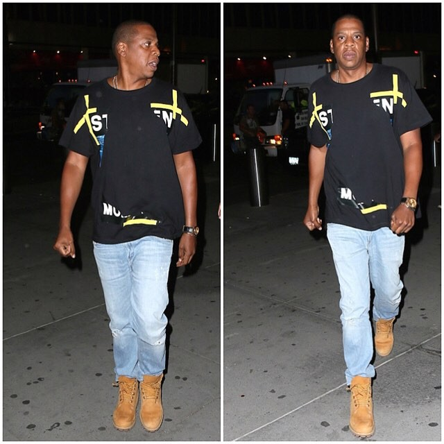 Jay-Z-wearing-Off-white-CO-Virgil-Abloh-Under-Water-shirt-to-U2-Concert-Beyonce-11-640x640