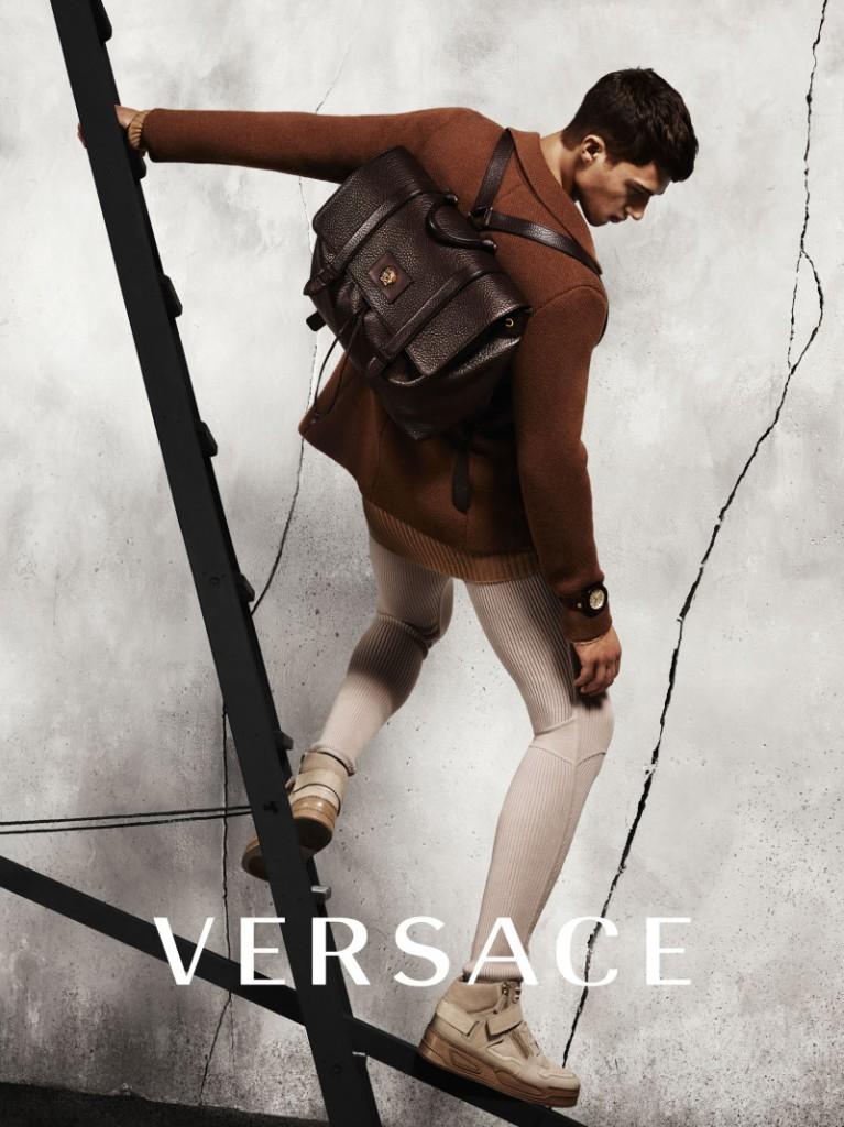 versace-fw-2015-menswear-campaign-005