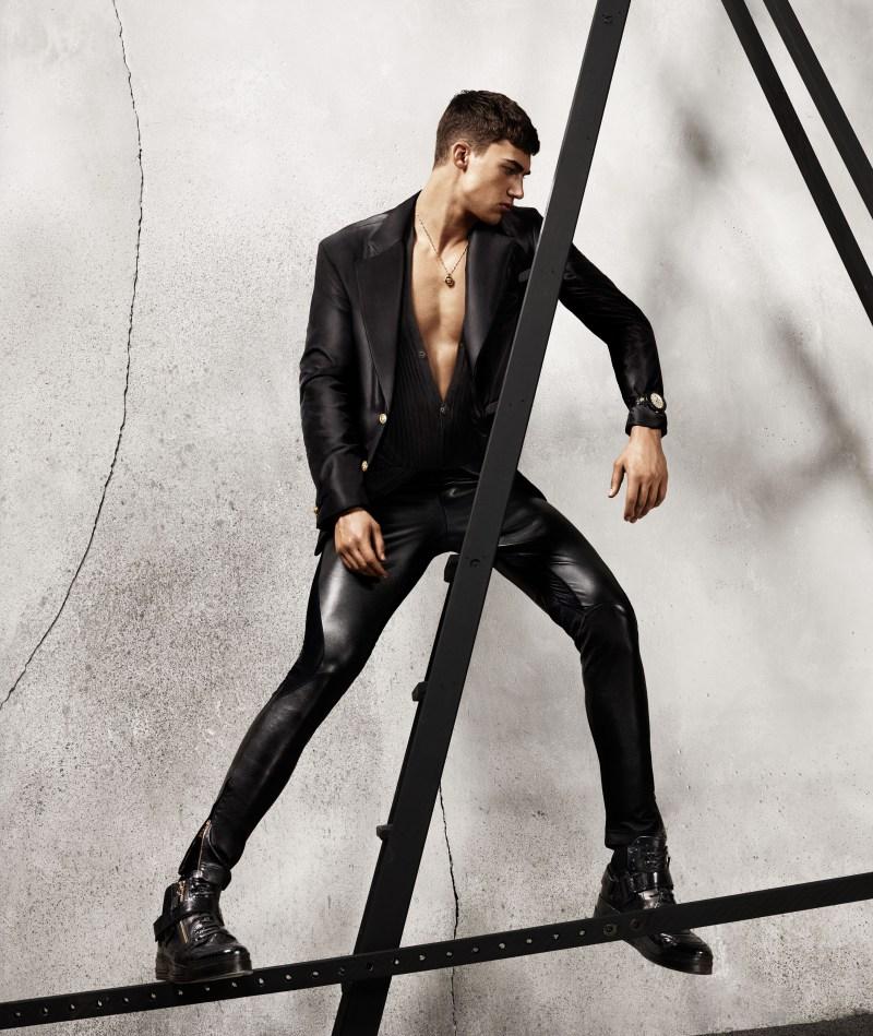 versace-fw-2015-menswear-campaign-006