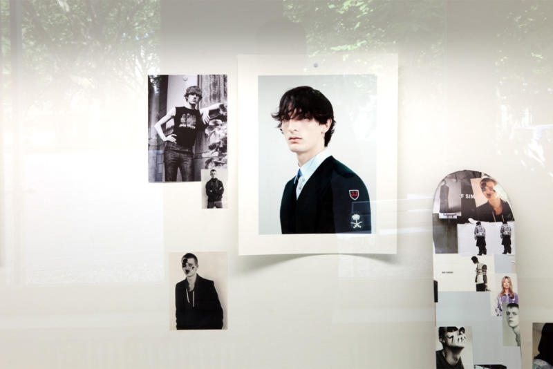 willy-vanderperre-raf-simons-exhibition-at-032c-workshop-6_ns7cx4