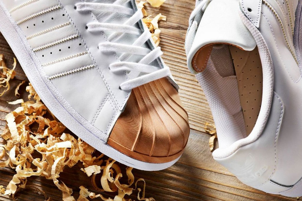 wooden-shell-toe-adidas-superstars-in-collaboration-with-afew-and-ivan-beslic-2