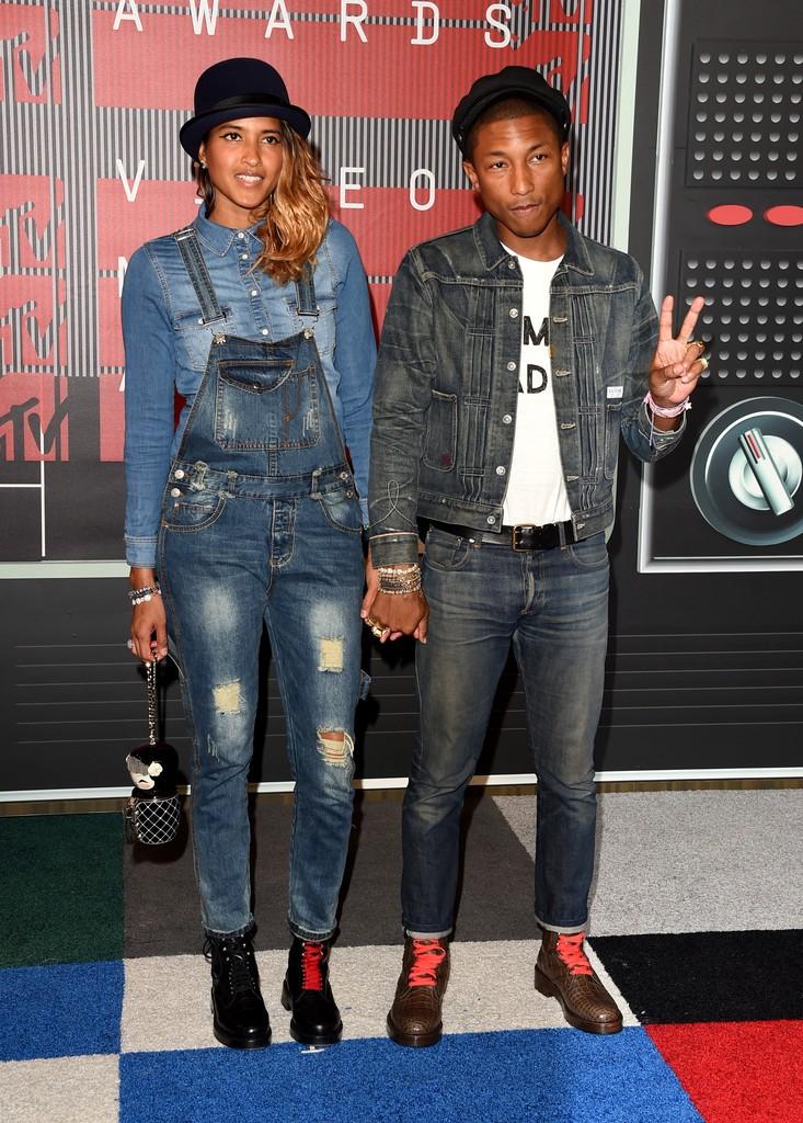 Pharrell-Williams-Helen-2015-MTV-Video-Music-Awards-Style-Picture