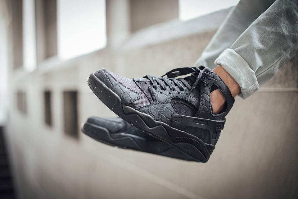 nike-air-flight-huarache-croc-suede-1