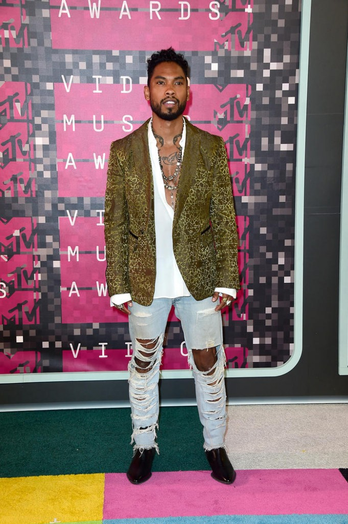 vmas_red-carpet_miguel