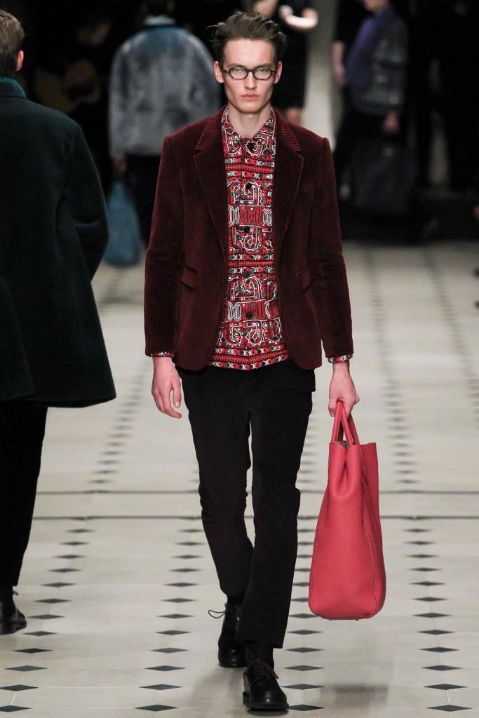 Burberry-fall-2015-burgundy-blazer