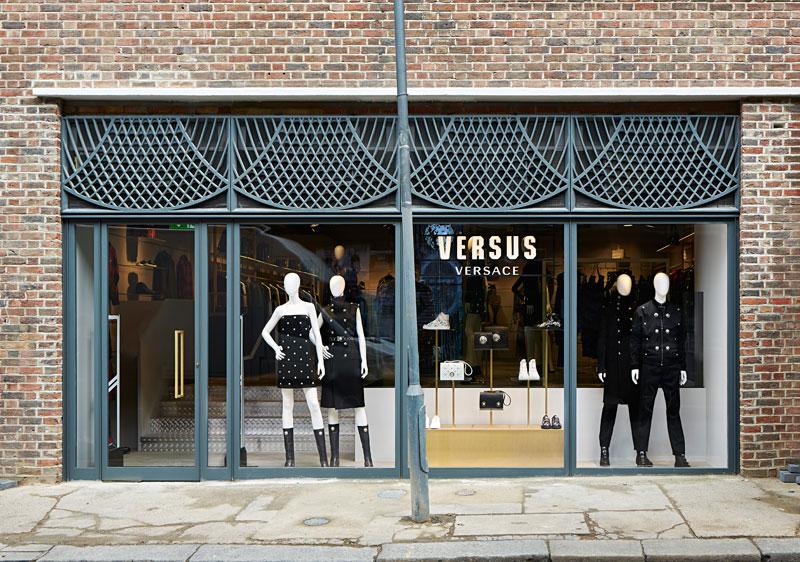 Versus-Versace-Opens-in-ny-london-paris_fy2