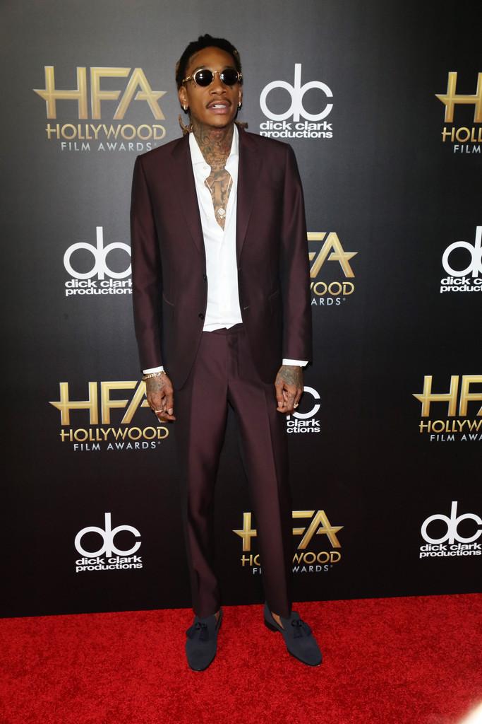 Wiz-Khalifa-2015-Style-Hollywood-Film-Awards-Suit