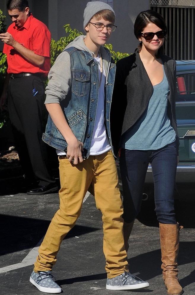 Justin and Selena : IHop Lovebirds