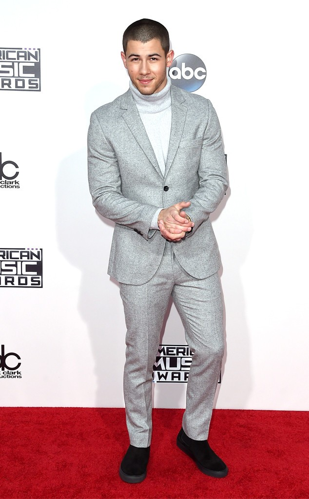 rs_634x1024-151122164451-634.NickJonas-AMA-jmd-112215