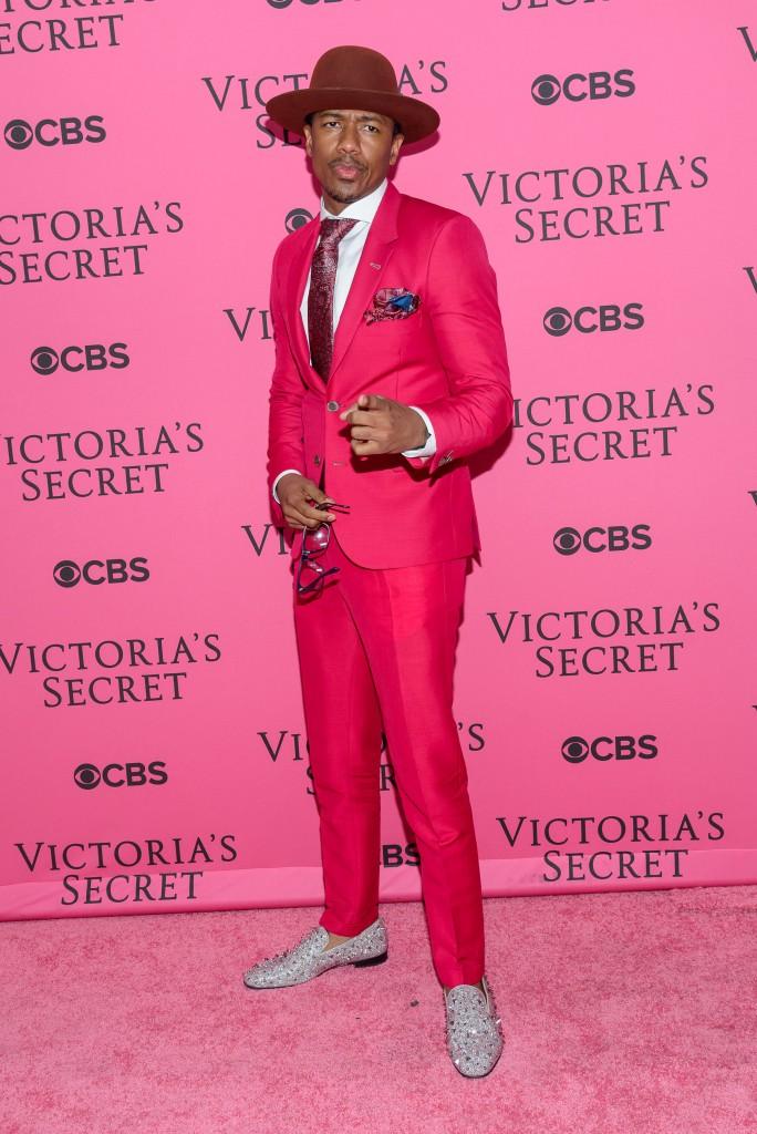 2015 Victoria's Secret Fashion Show - Pink Carpet