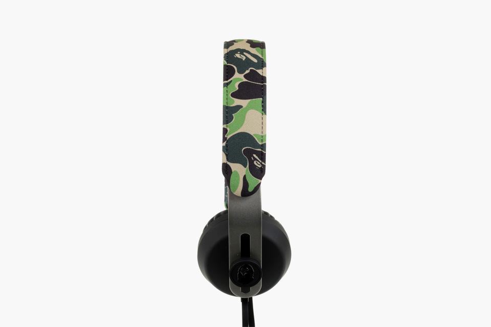 bape-eops-camo-headphones-02