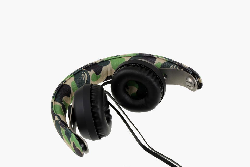 bape-eops-camo-headphones-03