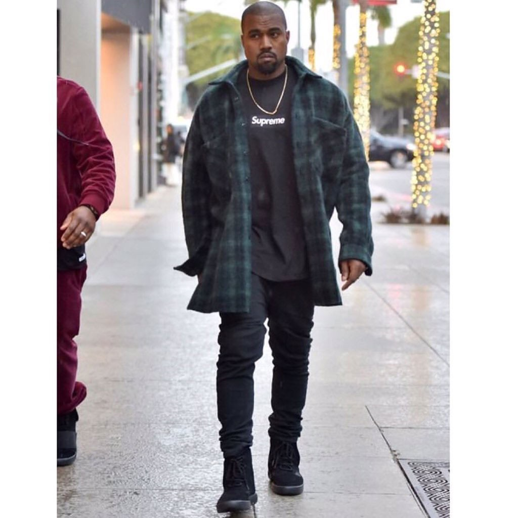 kanye-west-removes-strap-of-adidas-yeezy-boost-750-black-1
