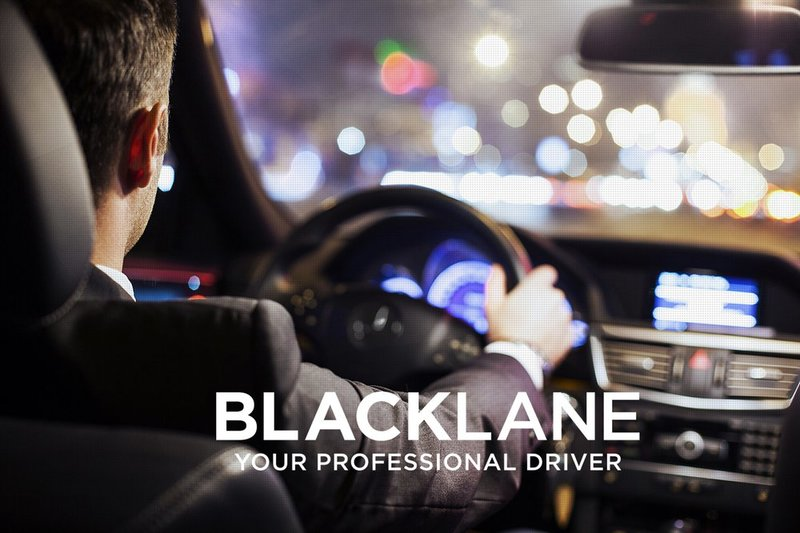 Blacklane -- Driver over shoulder