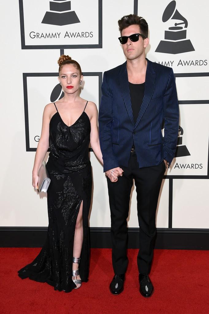 Mark-Ronson-Josephine-de-la-Baume-58th-Grammy