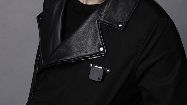 ada-nik-camera-jacket-1442930169-FLQP-column-width-inline