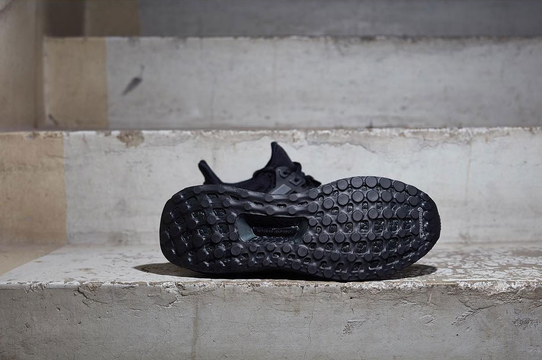 adidas-ultra-boost-triple-black-2