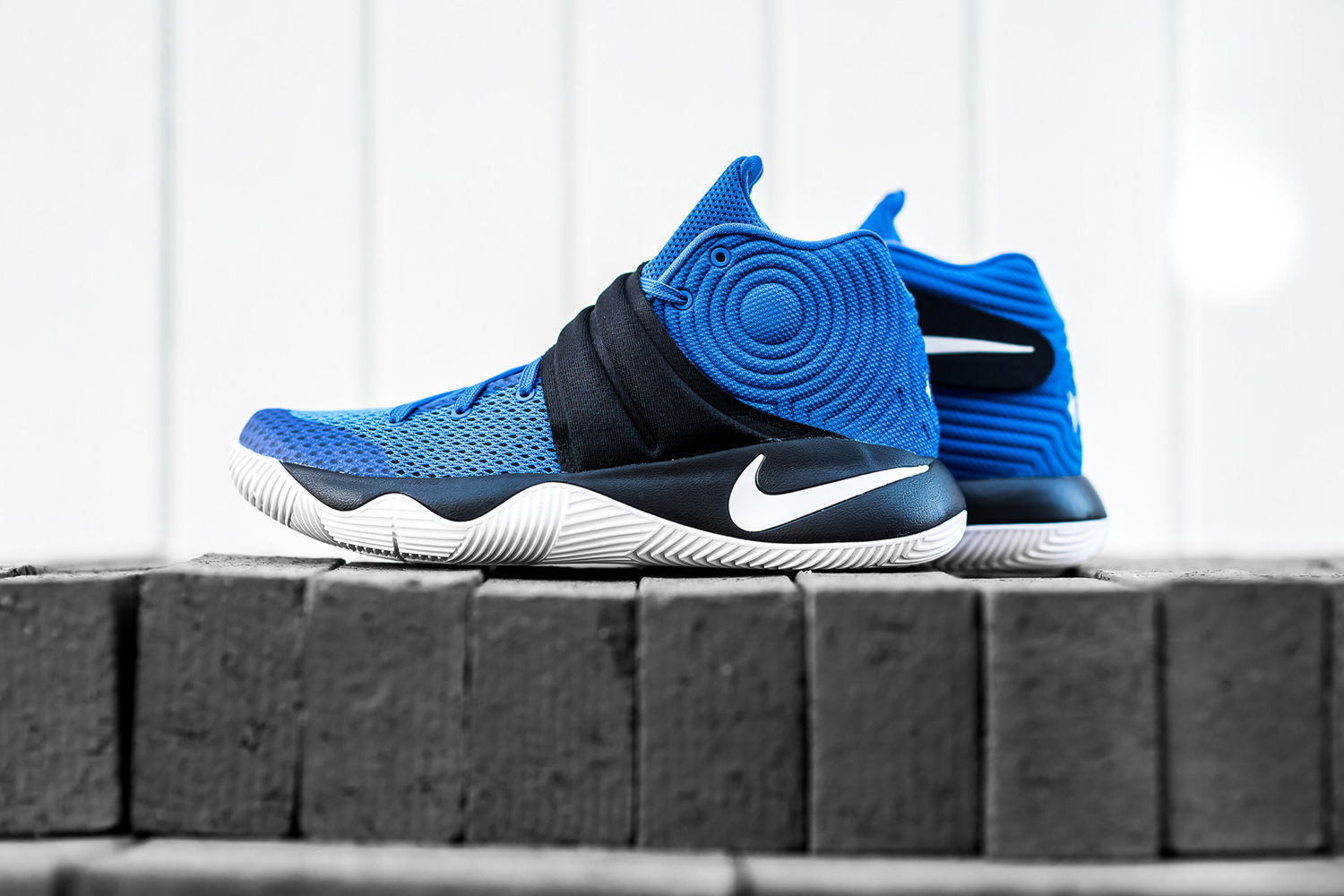nike-kyrie-2-brotherhood-02