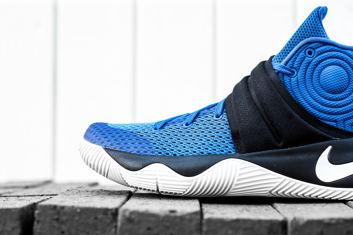 nike-kyrie-2-brotherhood-04