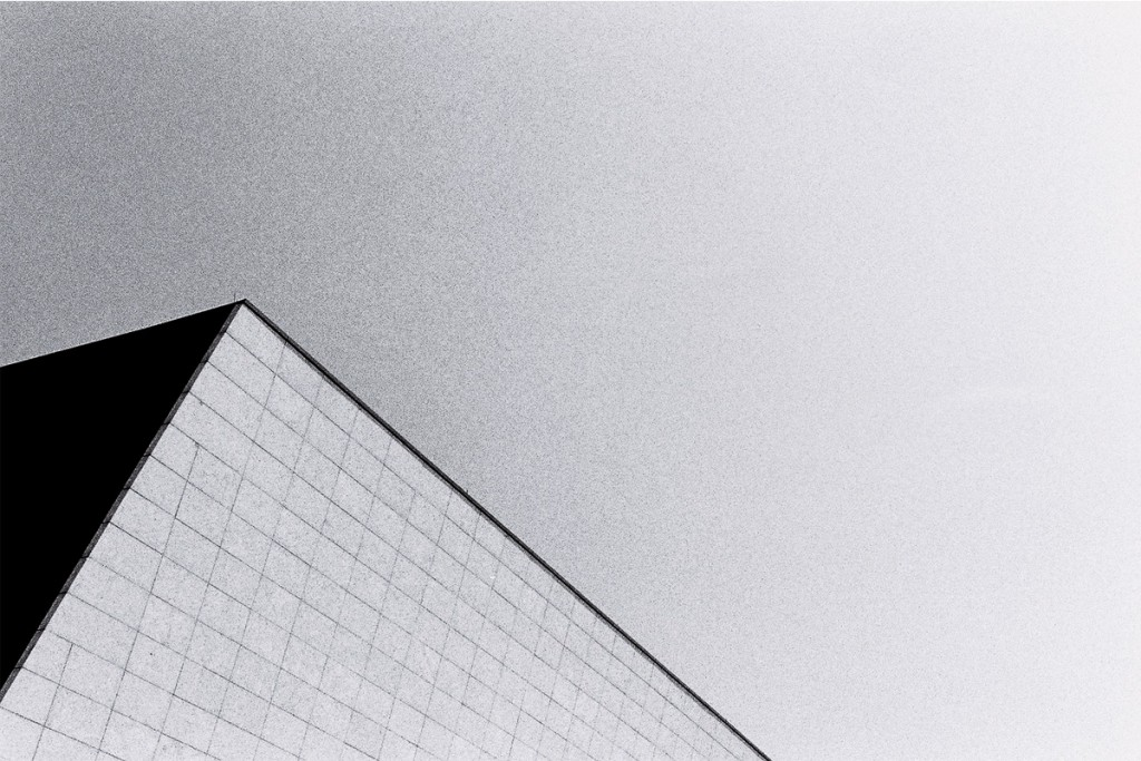 3-paradis-ss16-post-dystopian-editorial-011