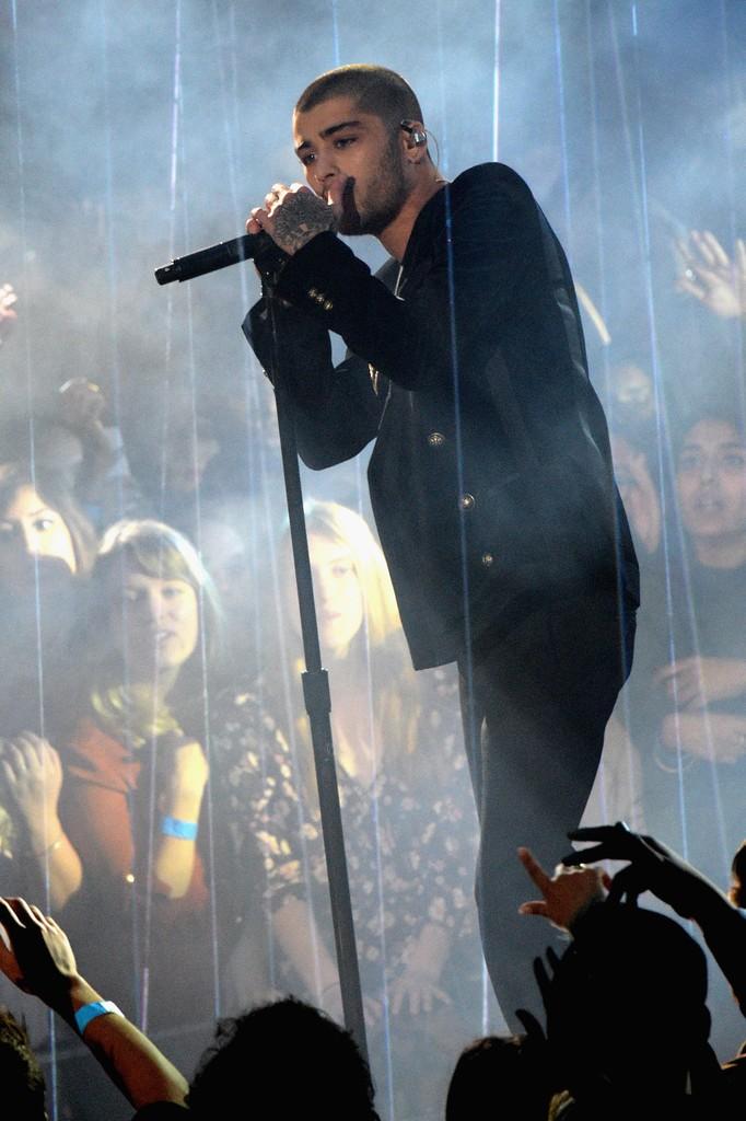Zayn-Malik-iHeartRadio-Balmain-jacket