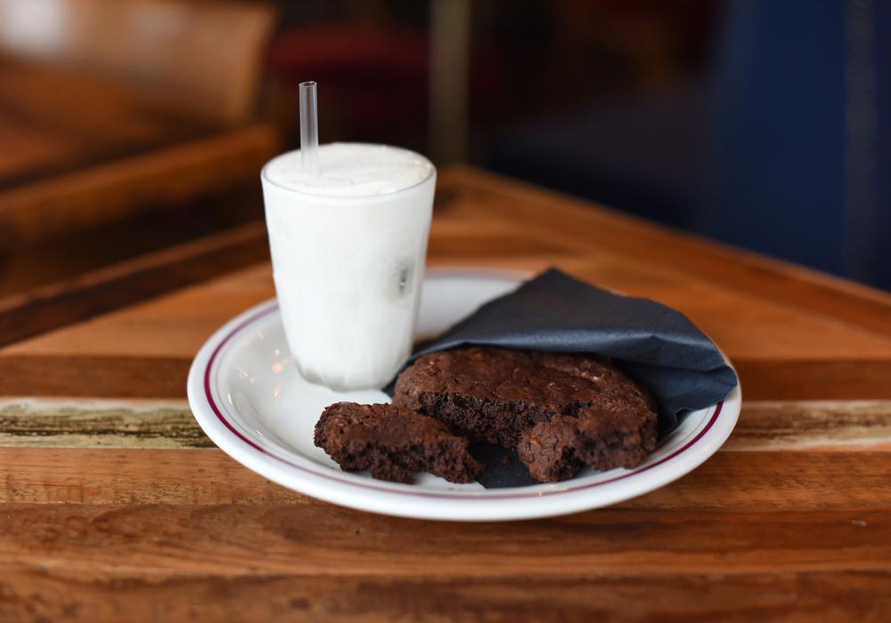 milk_&_cookies