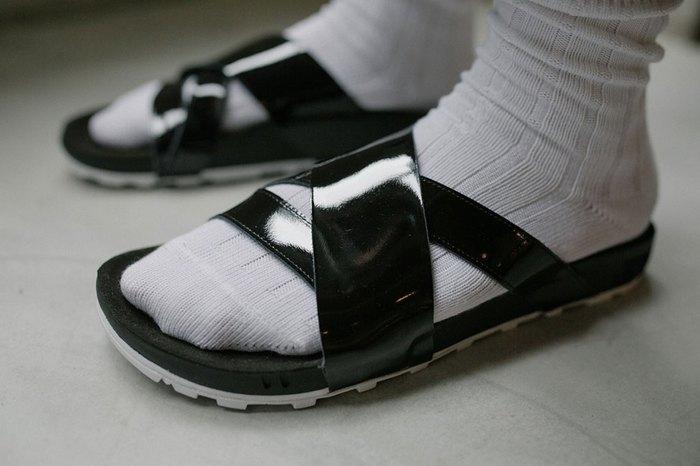 nikelab-taupo-slides-2