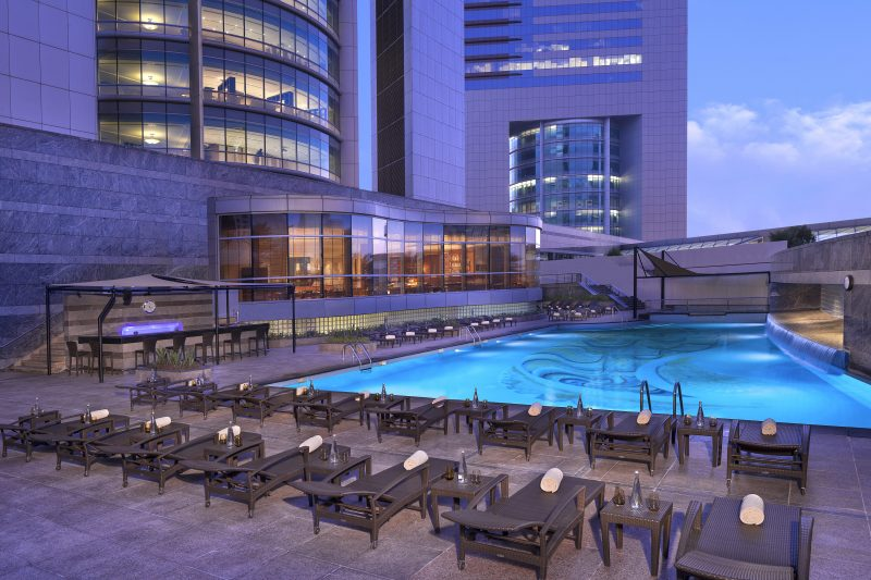 Jumeirah_Emirates_Towers_-Swimming_Pool_-_Overview