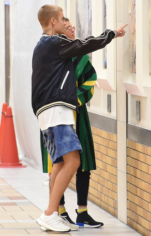 Justin-Bieber-jacket-Off-White-shorts-Adidas-sneakers-3