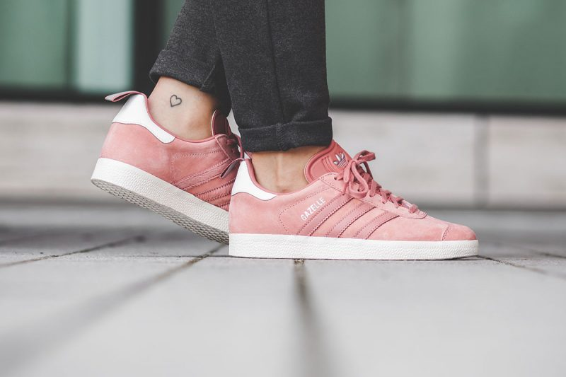 Sneaker Watch: Adidas Gazelle Raw Pink </p>                     			</div> 		</div>    	  		 		 		 		 		<!-- tab-area-end --> 	</div> 	<!--bof also purchased products module--> 	