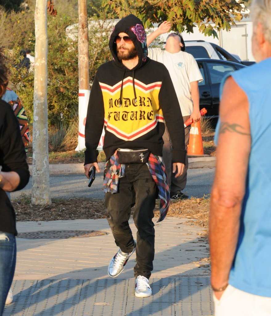 Jared-Leto-Gucci-hoodie-shoes