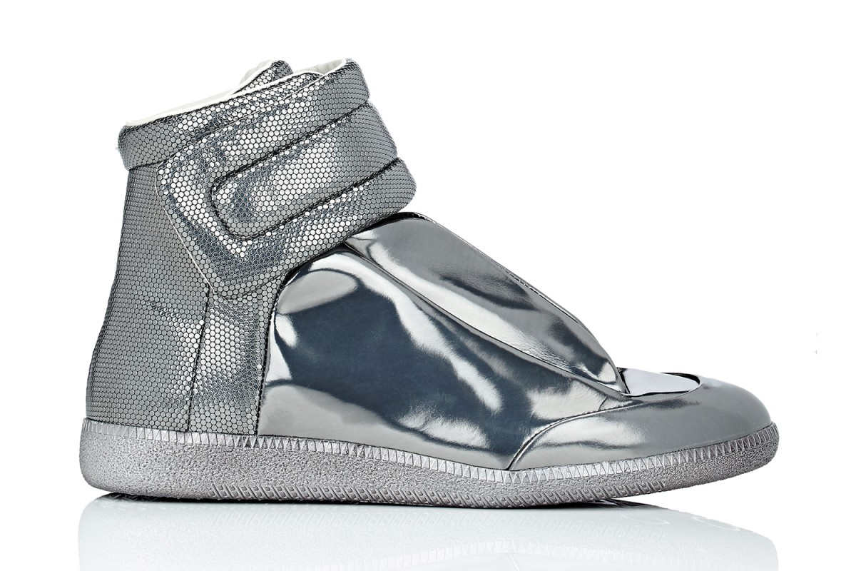 maison-margiela-barneys-metallic-future-high-top-sneakers-01-1200x800