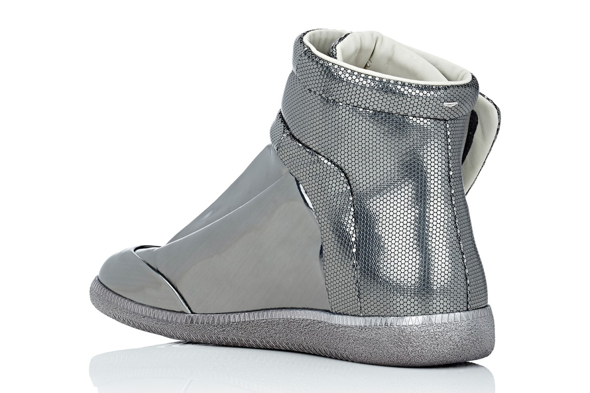 maison-margiela-barneys-metallic-future-high-top-sneakers-03-1200x800