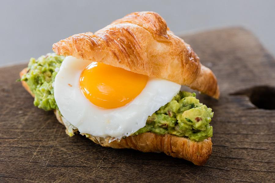 avocado-fried-egg