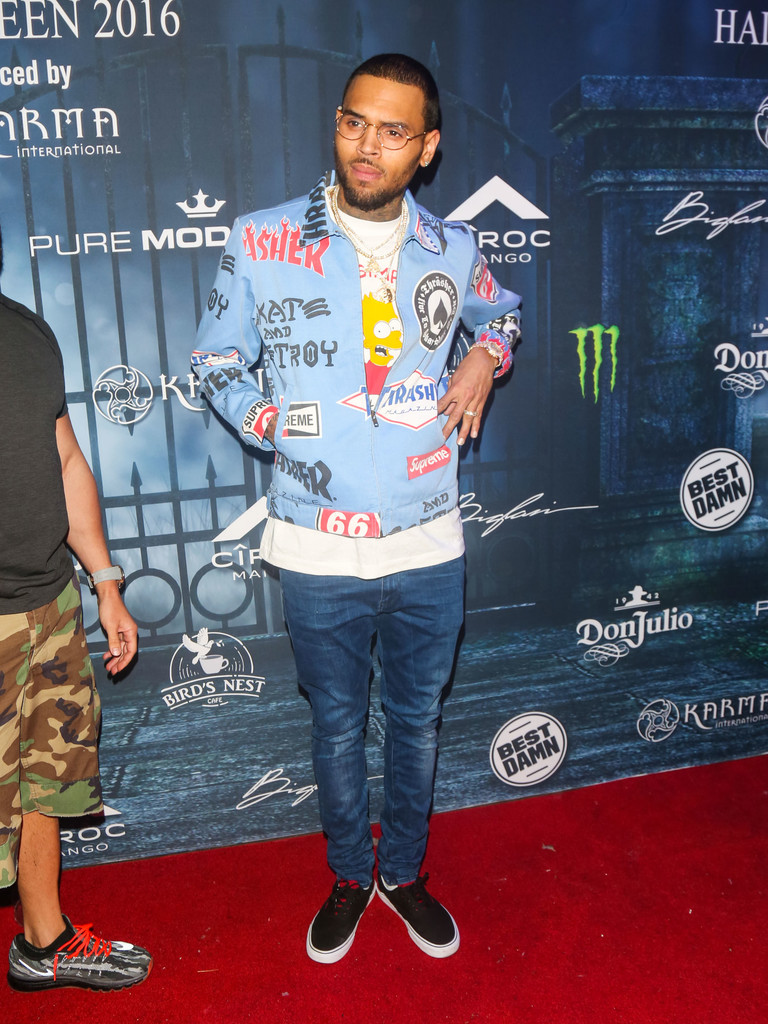 chris-brown-supreme-thrasher-jacket-3