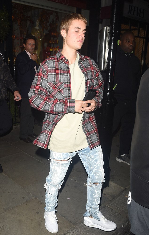 justin-bieber-fear-of-god-shirt-jeans-adidas-sneakers-2
