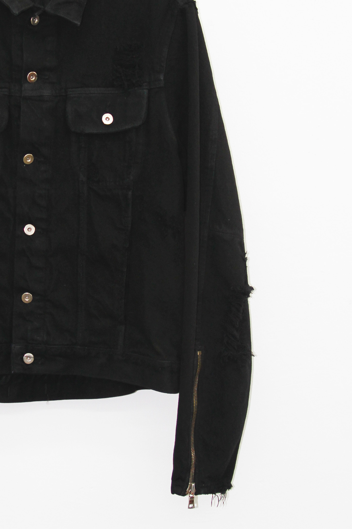 mr-completely-distressed-moto-jacket-detail