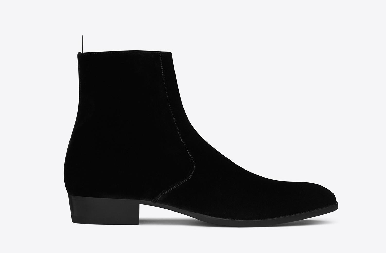 saint-laurent-signature-wyatt-30-zipped-boots
