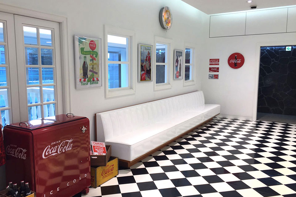 bape-x-coca-cola-pop-up-03