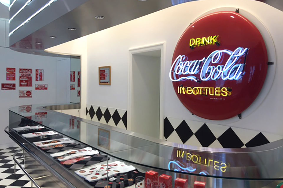 bape-x-coca-cola-pop-up-04